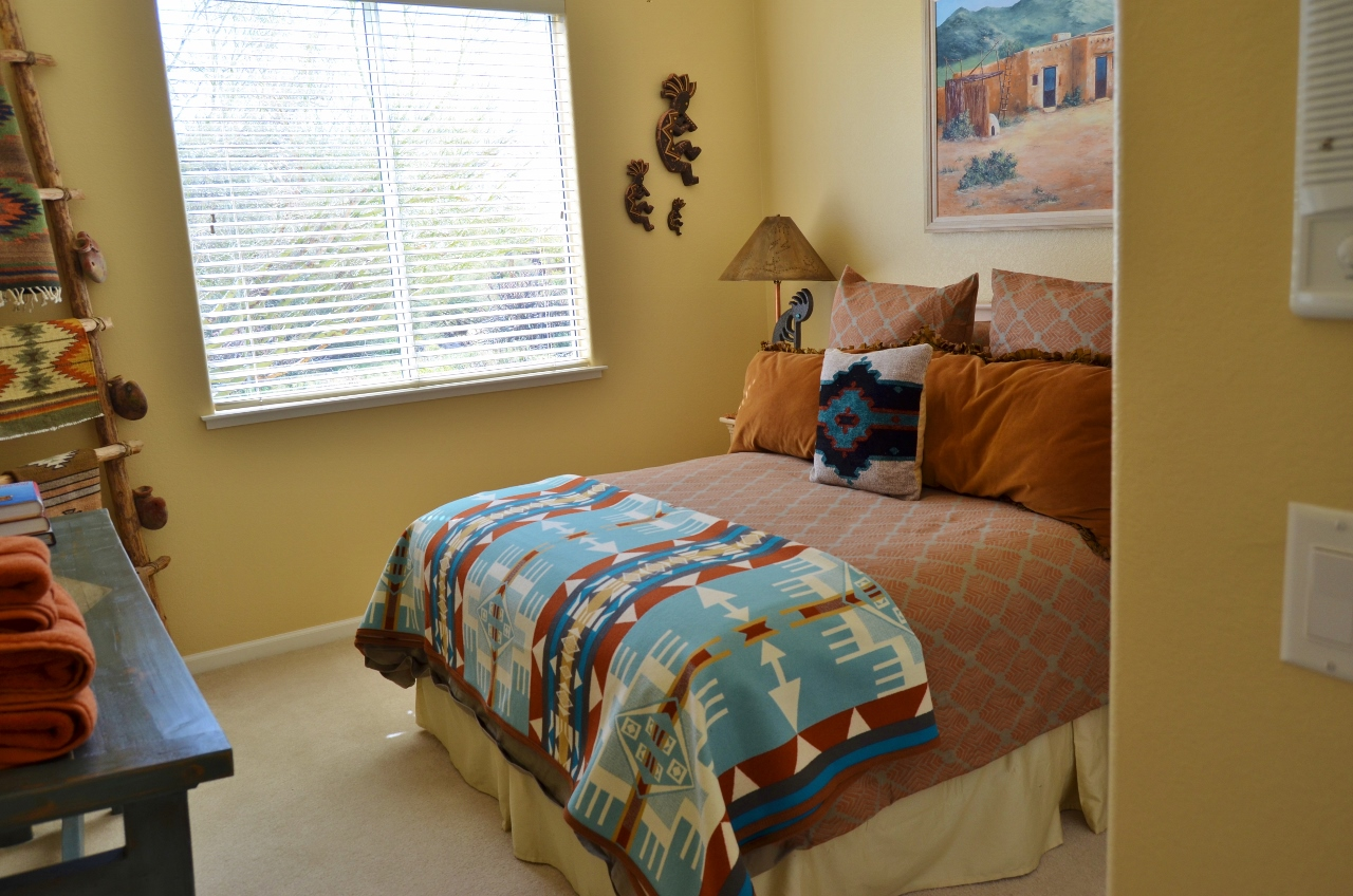 Native american bedroom casa hopi a scottsdale for American bedrooms